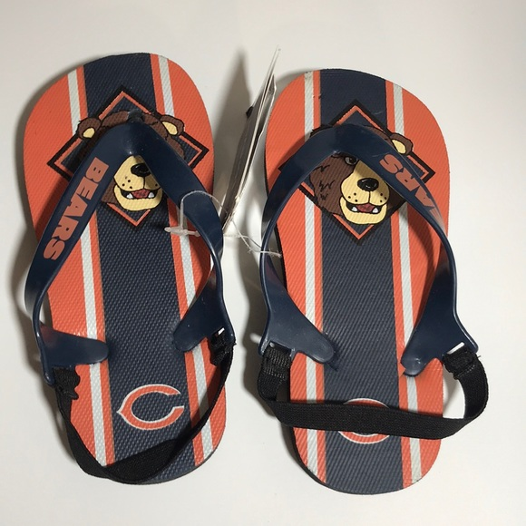 c611389b 🔴 Forever Collectibles Kids Chicago Bears Sandals NWT